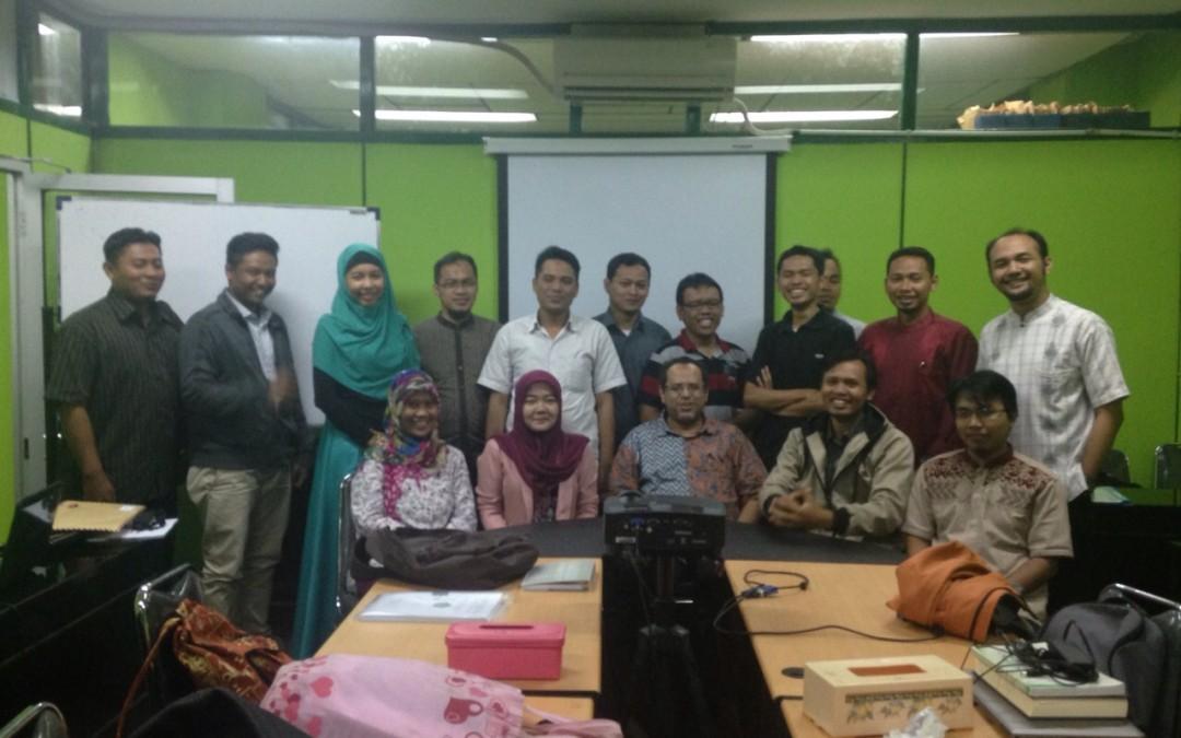 Ketua Dewan Pembina mengajar di Pasca Sarjana Universitas Azzahra Jakarta