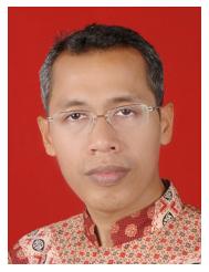 Dr.Yusuf Hidayat, Anggota Dewan Pembina
